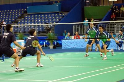 Luật về sân và thiết bị trên sân thi đấu cầu lông