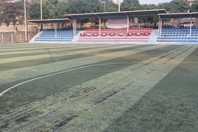 4 lỗi thường gặp của cỏ nhân tạo sân bóng kém chất lượng thấp