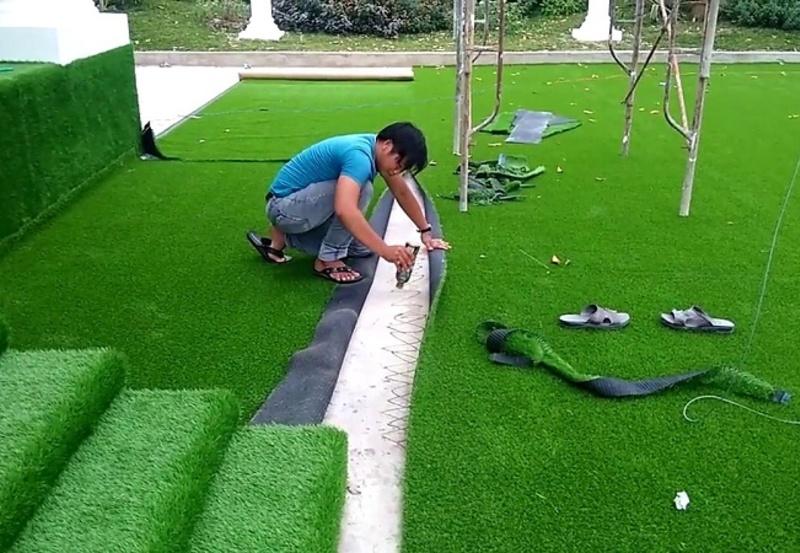Keo dán cỏ nhân tạo nào đang thịnh hành và cách sử dụng chúng như thế nào?