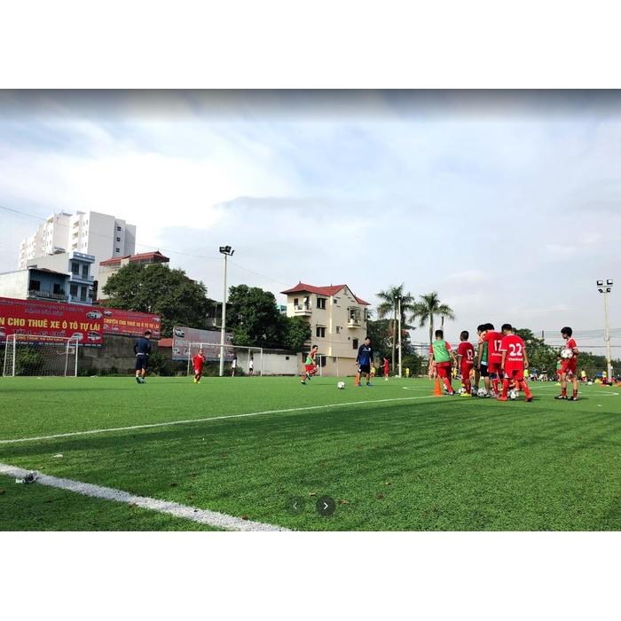 Sân bóng Định Công