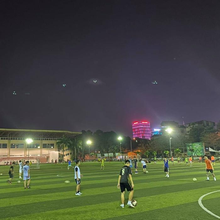 Sân bóng Đại học Y