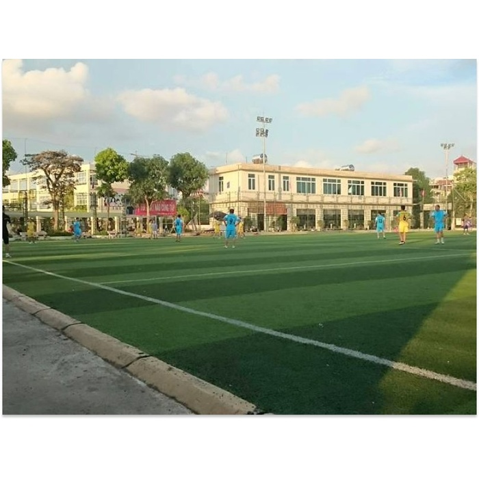 Sân bóng Hà Trì