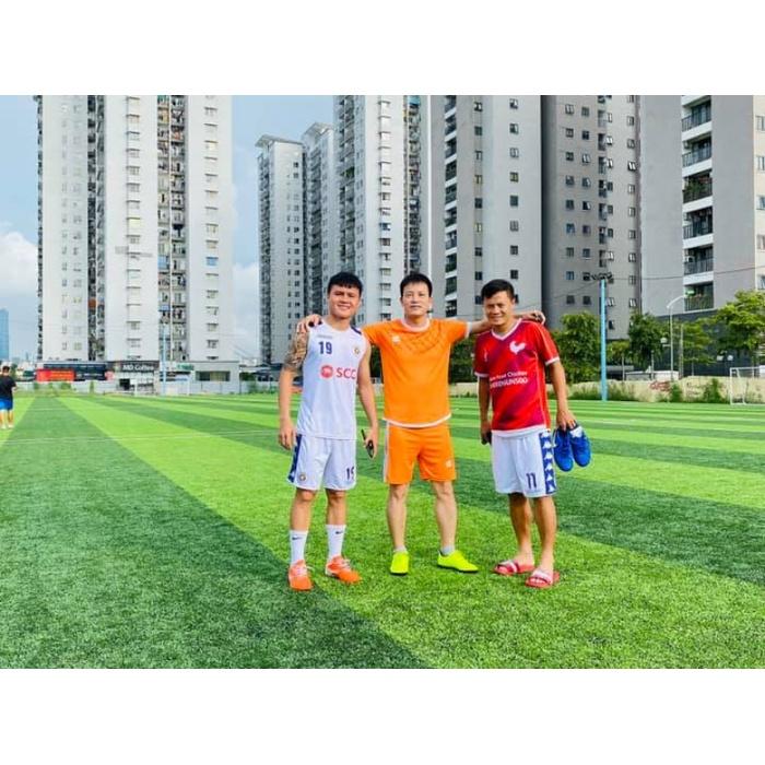 Sân bóng nhân tạo Trần Hữu Dực