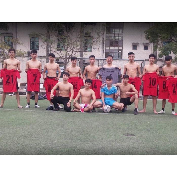 Sân bóng đá trường cao đẳng Bách Nghệ