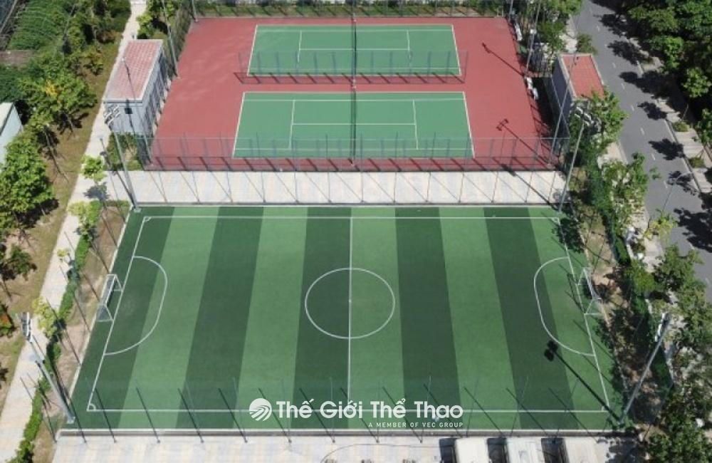 Sân bóng đá trường Newton Grammar School