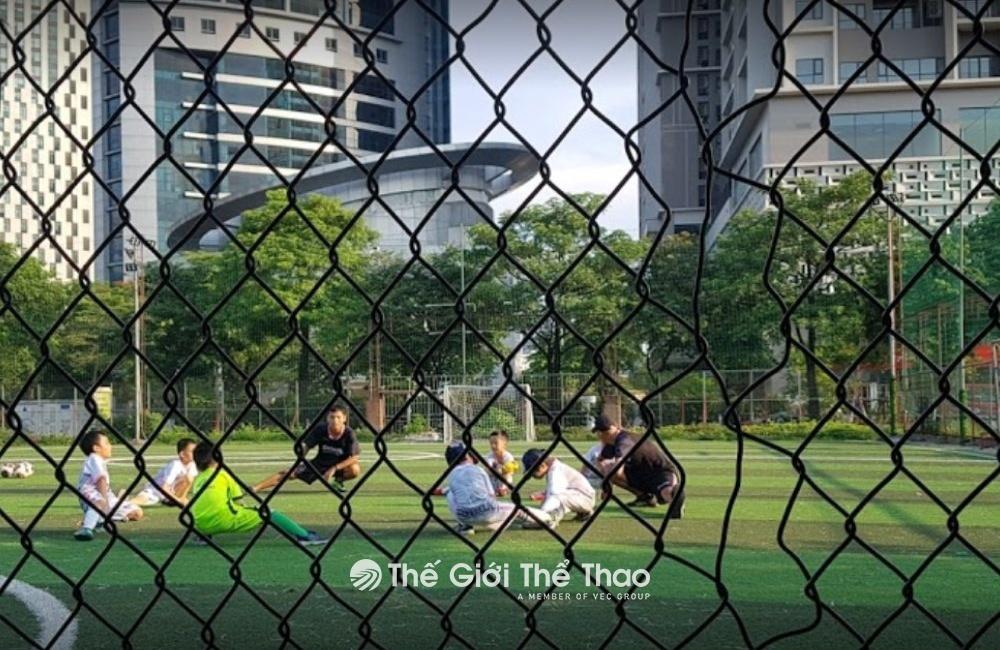 Sân bóng FPT Tôn Thất Thuyết