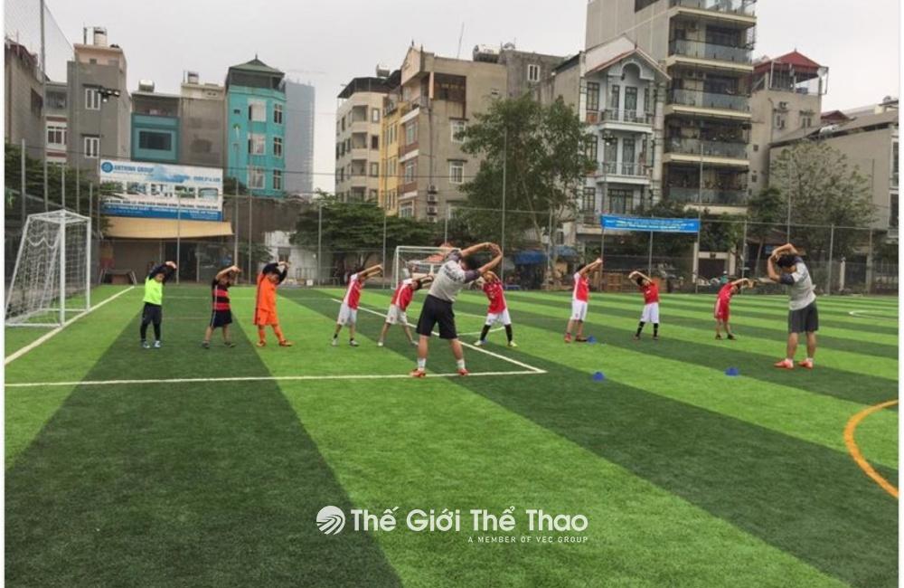 Sân bóng đá Mỗ Lao