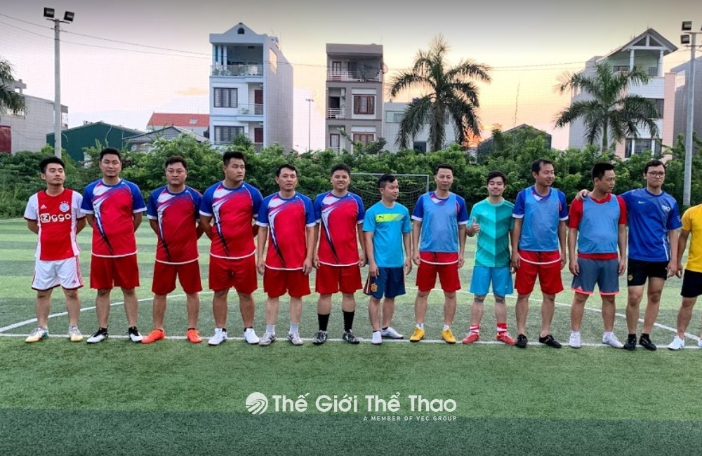 Sân bóng đá Tùng Lâm - Gia Lâm Hà Nội