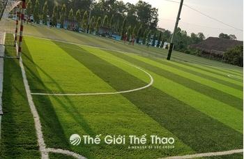 Sân bóng đá Núi Đôi
