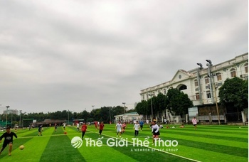 Sân bóng đá Sân bay Gia Lâm