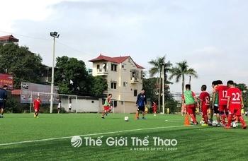 Sân bóng Định Công - Hoàng Mai - Hà Nội