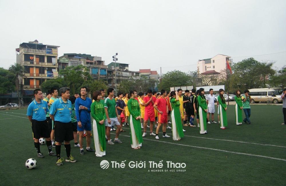 Sân bóng đá công viên Tuổi Trẻ