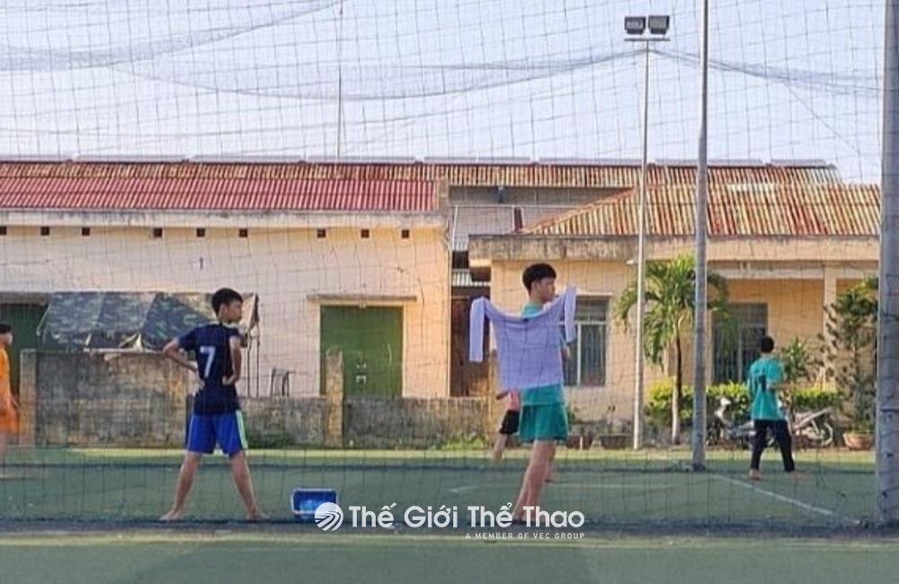 Sân bóng đá Mini Bin Bon