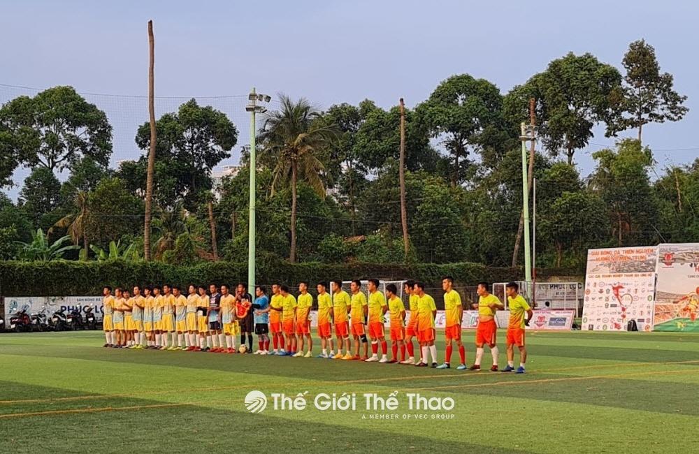 Sân bóng Phúc Lộc
