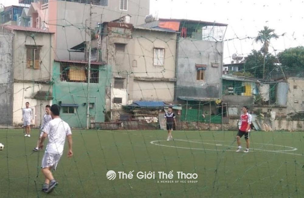 Sân bóng đá Lông Vũ