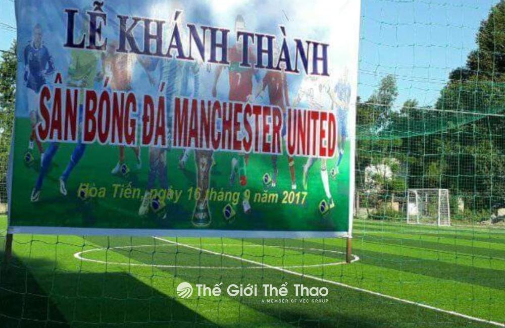 Sân bóng đá MU Hòa Tiến