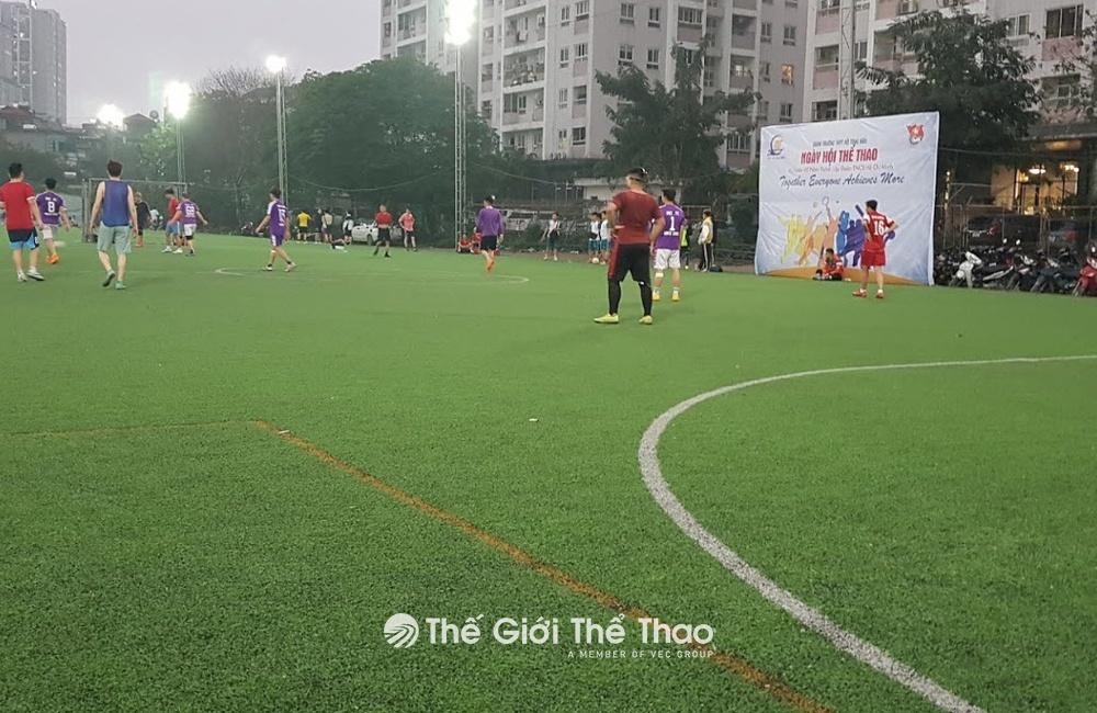 Sân bóng đá Đầm Hồng 1