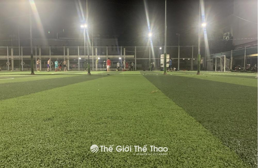 sân bóng đá khu chế xuất Tân Thuận