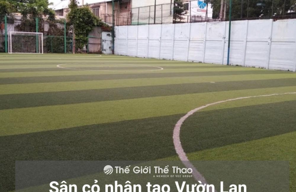 Sân bóng đá Vườn Lan