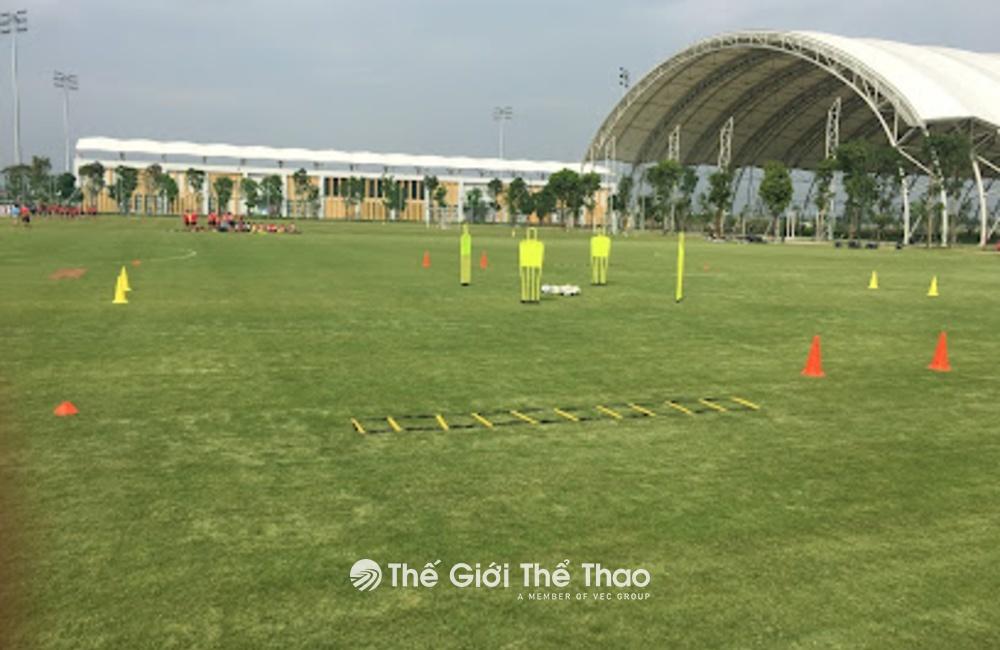 Sân bóng trong nhà PVF - Văn Giang Hưng Yên