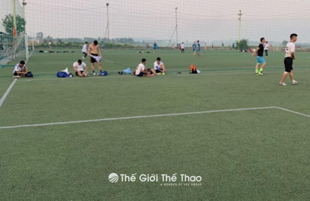Sân cỏ nhân tạo làng Trung - Việt Yên Bắc Giang