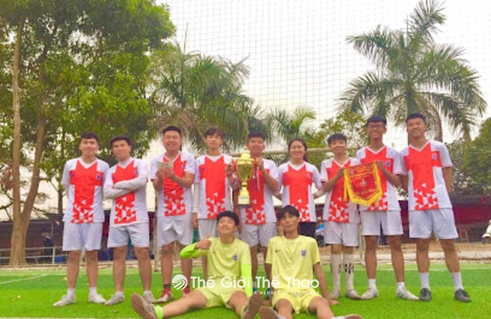 Sân Bóng Trường Nguyễn Bỉnh Khiêm - Hạ Long Quảng Ninh