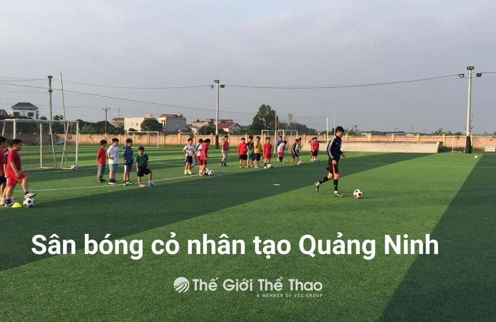 Sân bóng cao đẳng Nông Lâm Đông Bắc - Yên Hưng Quảng Ninh