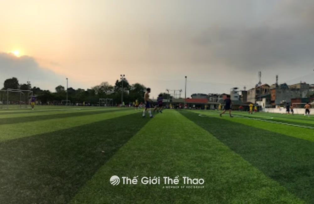 Sân Bóng 10-10 - Phúc Xá Ba Đình Hà Nội