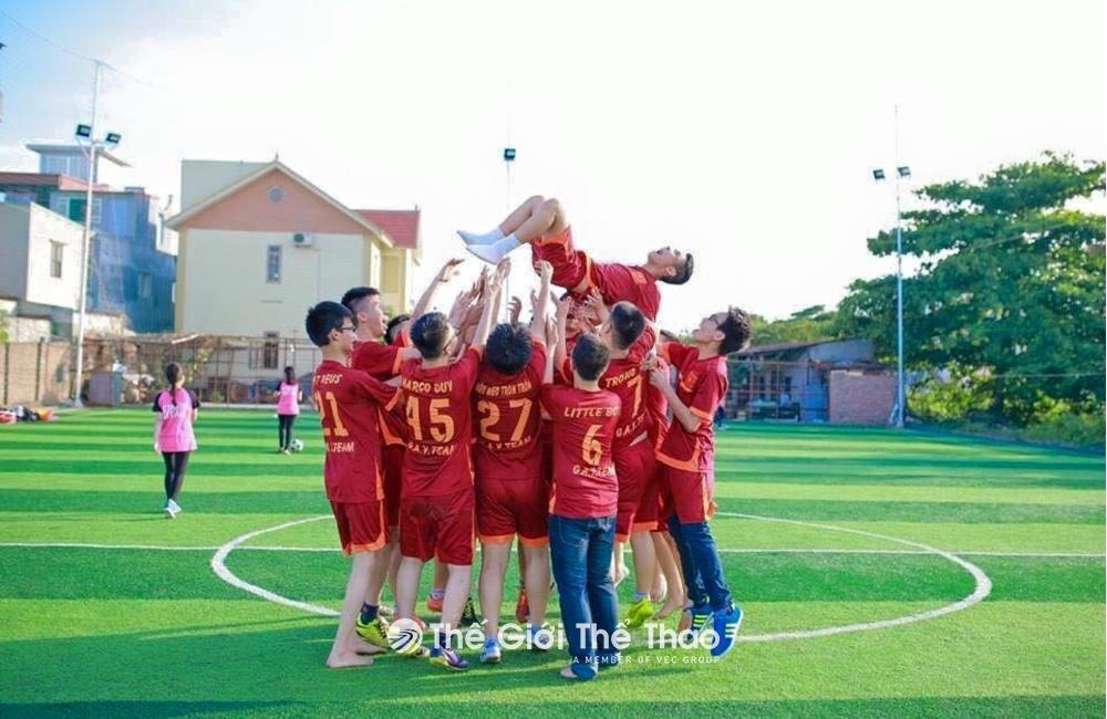 Sân bóng đá Phương Linh