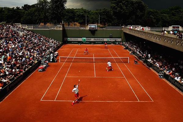 Sân tennis đất nện